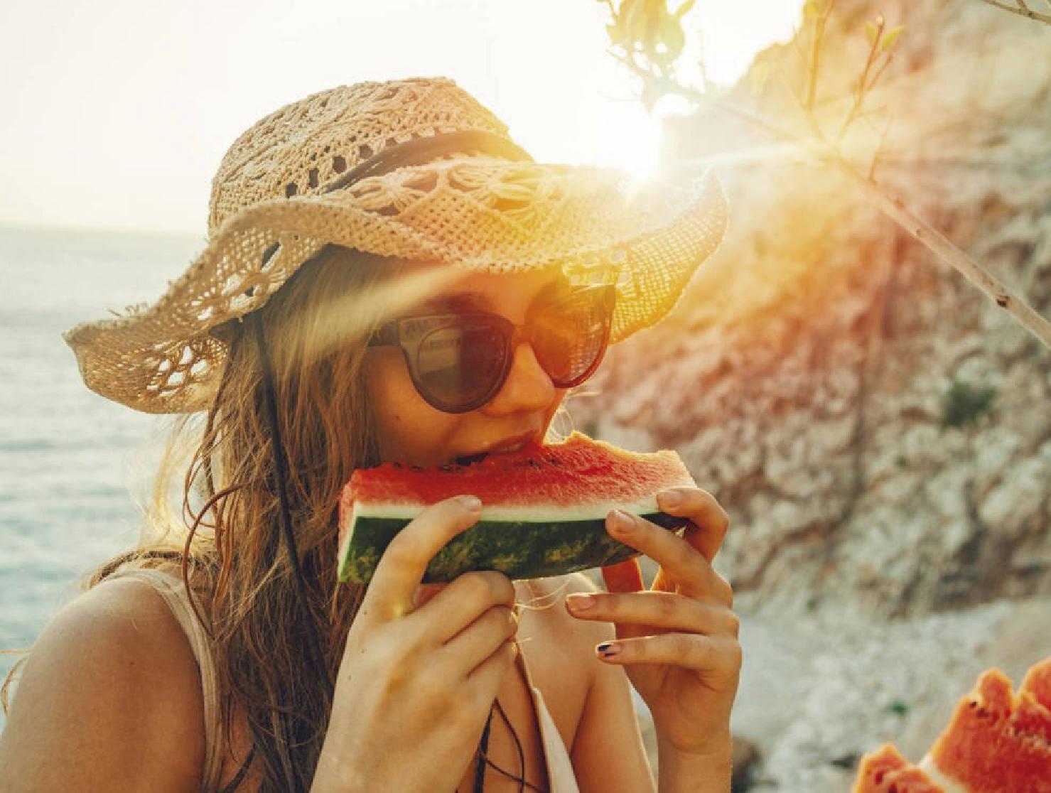 Que debemos comer para parar el calor.